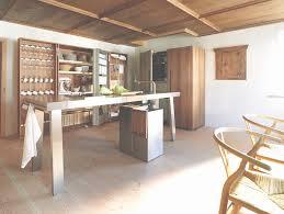 module armoire cuisine bulthaup cuisine b2 les armoires coffres en noyer et la table de