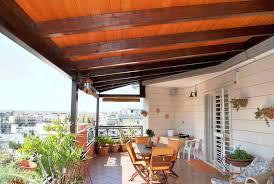 tettoia in legno per terrazzo domoforum sono lecite le tettoie o verande non ancorate se