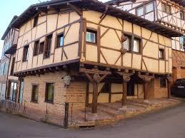 chambre d hote chatillon sur chalaronne le grenier à sel photo de cité médiévale de chatillon sur