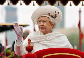queen elizabeth ii joined by spectacular 1 000 boat flotilla for