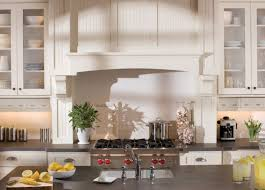 cuisine style cottage anglais cottage kitchen succumb to the charm of the style