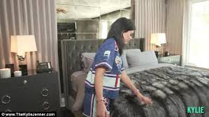 kylie jenner gives full house tour of 2 7m calabasas mansion