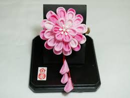 kanzashi hair ornaments make a geisha hana kanzashi flower hair ornament in kyoto kyoto