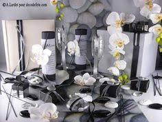decoration mariage noir et blanc une déco de table parfaitement coordonnée mariant blanc et vert