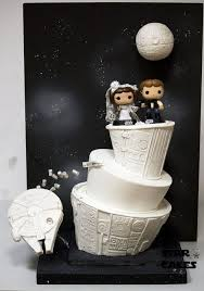nerdy cake toppers 31 geeky wedding cake toppers happywedd