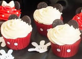 mickey mouse cupcakes mickey minnie mouse cupcakes two