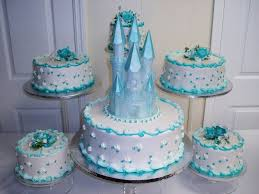 quinceanera cake with blue castle