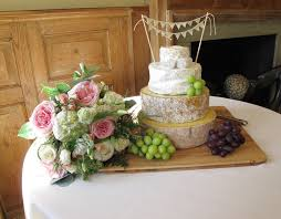 wedding cake made of cheese top 10 wedding cake alternatives my wedding
