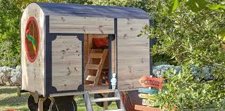 cabane jardin une cabane de jardin pour les enfants femme actuelle