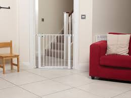 Pressure Fit Stair Gate 90cm by Safety 1st Secure Tech Simply Close Metal Gate White Amazon Co