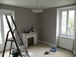 peindre une chambre en gris et blanc chambre mur gris et blanc idee peinture salon noir et blanc salle