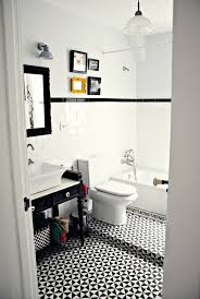 una casa llena de personalidad haus bath and black white bathrooms