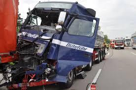 Weingarten Baden Lkw Unfall Fordert Schwer Verletzte Einsatzbericht Weingarten