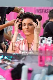 black hair show 2015 2015 victoria s secret fashion show hair and makeup photos and