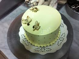 bumble bee cake by carey madden of the two little red hens bakery