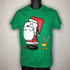 peanuts christmas t shirt peanuts christmas santa t shirt sz small men s green sleeves