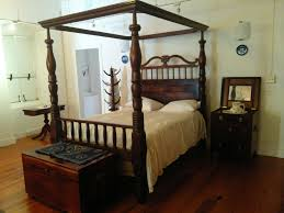 the antique mahogany four poster beds of the u s virgin islands the antique mahogany four poster beds of the u s virgin islands the world s most stately beds manly manners