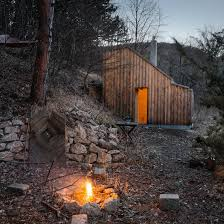 raumhochrosen u0027s woodland cabin in austria provides respite for