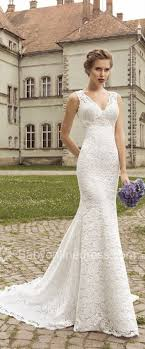 simple wedding dresses for brides best 25 traditional wedding dresses ideas on