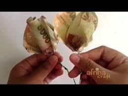 cara membuat origami bunga dari uang kertas video cara membuat origami bunga mawar dari uang kertas