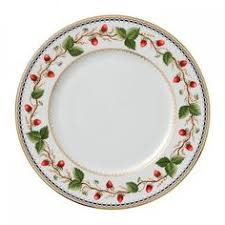 classic china patterns 15 classic china patterns to add to your wedding registry china
