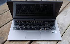 light notebooks with long battery life lg gram 13 inch laptop is ultra light and has a long battery life