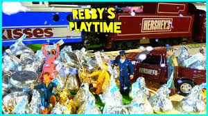 train video for kids polar express hershey u0027s toy train rebby u0027s
