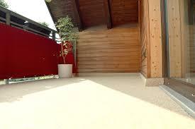 Steinteppich Bad Kleiner Balkon Mit Beigem Steinteppich