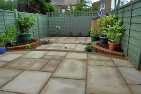 stunning paved garden designs small garden paving ideas