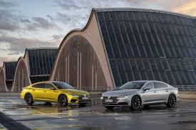 volkswagen arteon rear how does the new vw arteon compare