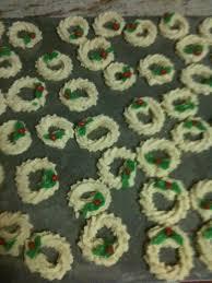 31 best spritz wreath cookies images on pinterest spritz cookie