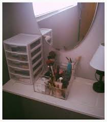 can we talk about your makeup station any cool vanities out there