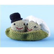 wedding gift knitting patterns ravelry amigurumi two peas in a pod pattern by lion brand yarn