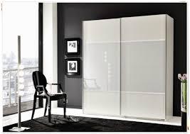 Schlafzimmerschrank Schiebet En Kleiderschrank Lamellentüren Weiß Innenarchitektur Und Möbel