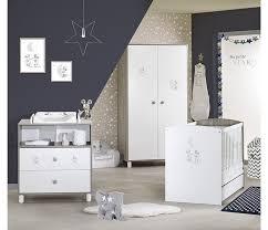 chambre bébé disney lit bébé à barreaux 120x60 disney mickey ma de sauthon