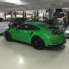porsche 911 gt3 rs green porsche 991 gt3 rs painted in rs green photo taken by