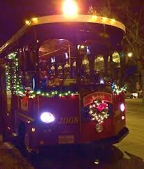 chicago trolley holiday lights tour chiil mama dash through chicago s winter wonderland on chicago