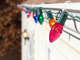Christmas Light Nails by Fancy How To Hang Christmas Lights Outside Without Nails Stylish