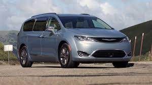 luxury minivan 2017 chrysler pacifica plug in hybrid