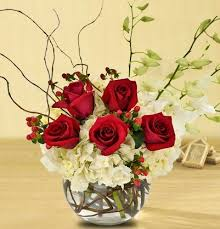 christmas floral arrangements and delight your sweetheart with christmas flowers from