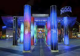 winter lights at canary wharf things to do in london
