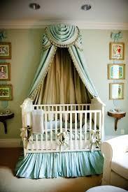 tenture chambre bébé le ciel de lit bébé protège le bébé en décorant sa chambre
