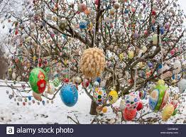 easter egg tree view of volker kraft s easter egg tree in saalfeld germany 18