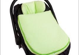 cale tete pour siege auto cale tete bebe pour siege auto 98990 choisir réducteur pour si