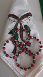 christmas red green clear glass bead memory wire napkin rings set