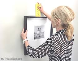 how to hang a picture frame how to hang a picture by yourself utr déco blog