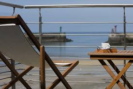 chambre d hote vue mer normandie la maison sur le quai gite mer charme à port en