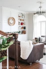 Living Room White Christmas Decorations by Green And White Christmas Decorating Ideas Maison De Pax