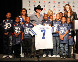 kenny chesney to be thanksgiving halftime performer dallas cowboys