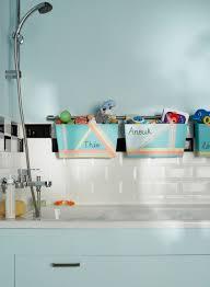 cuisines rangements bains du diy dans votre salle de bains des jardinières sur une barre de